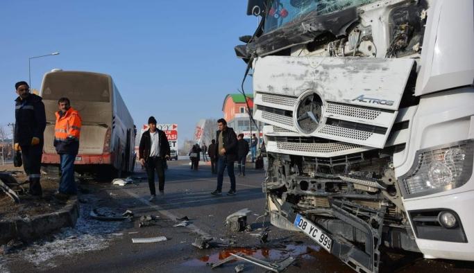 Bursa'da 2 ölü, 612 yaralı